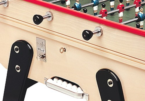 Photo et descriptif: La Passion du Billard Baby foot Bonzini B60 avec monnayeur detail.