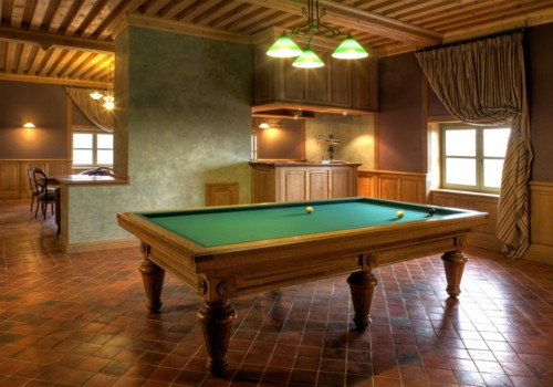 Photo et descriptif: Billard Francais 3m10 Chambord en chene massif.