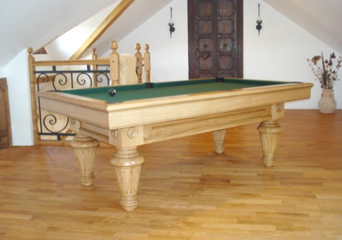 Photo et descriptif: Billard Lafuge Chambord 2m10 chene massif naturel patine tapis vert