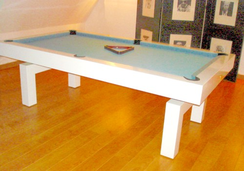 Photo et descriptif: Billard Arcade contemporain laque blanc pieds en arche 3 en 1 powder blue bondues