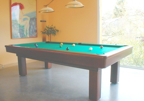 Photo et descriptif: Billard Le Competition americain 2m60 teinte acajou transformable en francais